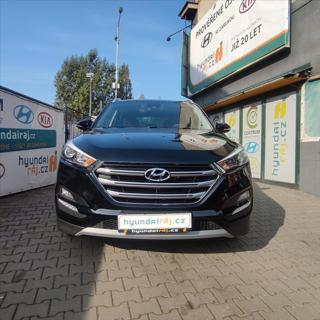 Hyundai Tucson 1,7 V ZÁRUCE-NAVI-KAMERA SUV nafta