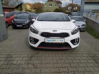 Kia Ceed 1,6 GT-150KW-KAMERA-NAVI kupé benzin