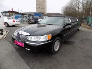 Lincoln Town Car 4.6 V8 limuzína benzin