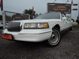 Lincoln Town Car Limuzína 9.m Pronájem limuzína
