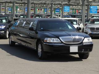 Lincoln Town Car 4.6 i 153kW sedan benzin - 1