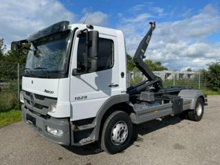 Mercedes-Benz HNK 4x2 pro přepravu kontejnerů