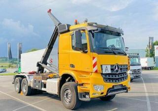 Mercedes-Benz Arocs 3345 6x4 JNK EURO 6 pro přepravu kontejnerů