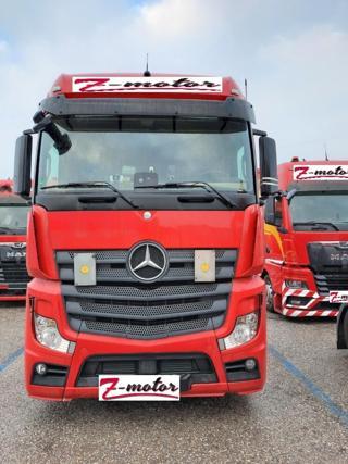 Mercedes-Benz 963-4-A tahač