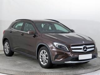 Mercedes-Benz GLA GLA 200 CDI 4MATIC 100kW SUV nafta