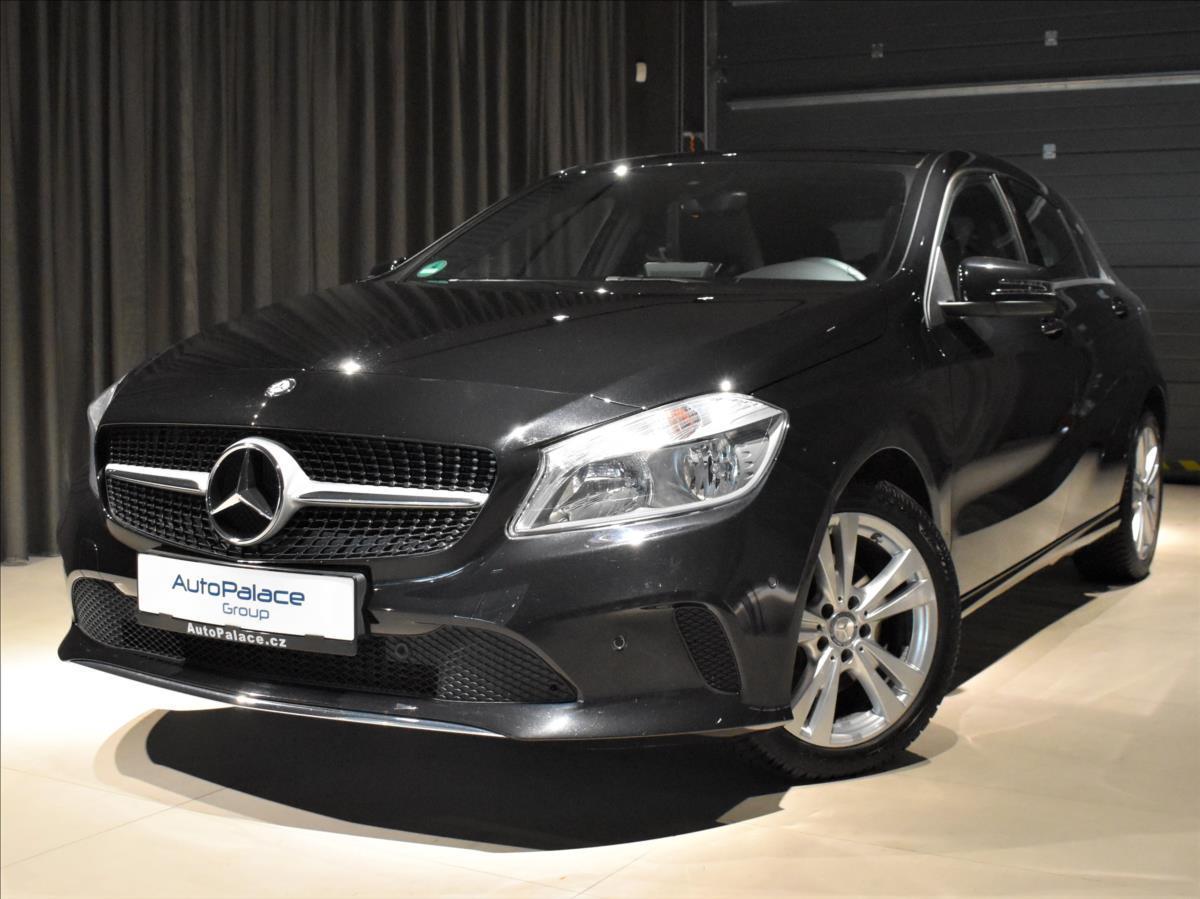 Mercedes-Benz Třídy A 1,6 180i AT NAVI Panorama hatchback benzin