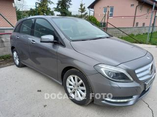 Mercedes-Benz Třídy B 1.6 hatchback benzin