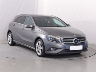 Mercedes-Benz Třídy A A 180 90kW hatchback benzin