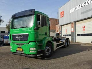 MAN TGS26360 HNK 6x4 pro přepravu kontejnerů