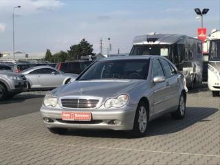 Mercedes-Benz Třídy C C180K *AUTOKLIMA*ESP*TAŽNÉ* sedan benzin
