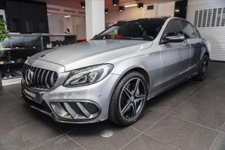 Mercedes-Benz Třídy C 3,0 450 4MATIC AMG  IHNED sedan benzin
