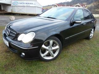 Mercedes-Benz Třídy C 3.0 CDi Automat sedan nafta