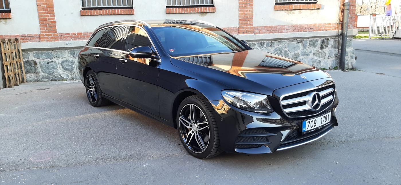 Mercedes-Benz Třídy E E220d 4M 1ČR AMG ZÁRUKA sedan