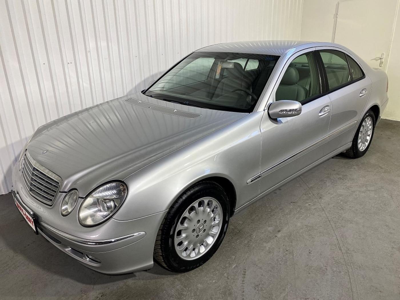 Mercedes-Benz Třídy E E 220 CDI 133.000 KM! Elegance sedan