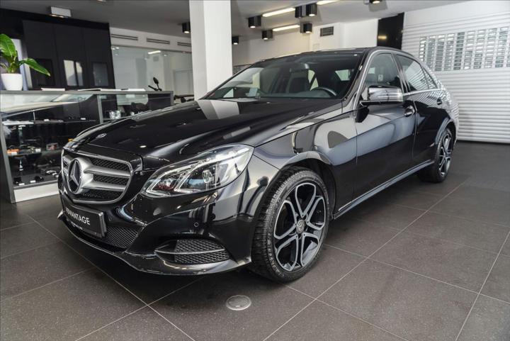 "Mercedes-Benz Třídy E 2,1 220 CDI BlueEfficiency/LED/PDC/18""  IHNED sedan nafta"