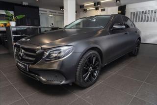 Mercedes-Benz Třídy E 2,0 220 d/multibeam LED/Widescreen/HUD/Burmester  IHNED sedan nafta