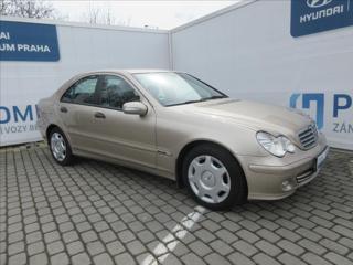Mercedes-Benz Třídy C 2,2 CDI ČR SERVISNÍ KNIHA sedan nafta