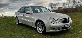 Mercedes-Benz Třídy E E320CDI V6 AVANTGARDE + VÝBAVA sedan