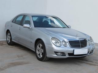 Mercedes-Benz Třídy E E 320 CDI 4MATIC 165kW sedan nafta