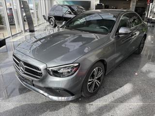 Mercedes-Benz Třídy E .   E 220d 4M AVANTGARDE sedan nafta
