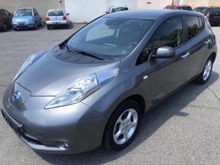 Nissan Leaf 80 KW-SERVISKA hatchback elektro