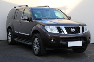 Nissan Pathfinder 2.5, Serv.kniha SUV nafta