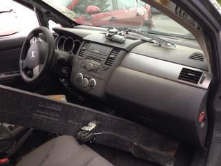 Nissan Tiida 1,6 16V - pouze dily a TP hatchback