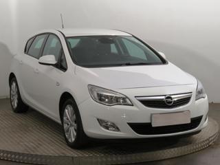 Opel Astra 1.4 T 103kW hatchback benzin - 1