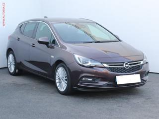 Opel Astra 1.4T Innovation, LED, navi hatchback benzin