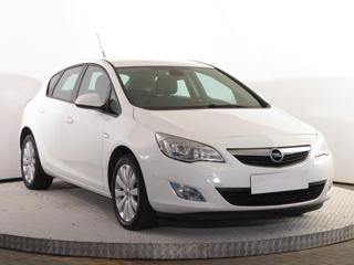 Opel Astra 1.4 16V 74kW hatchback benzin