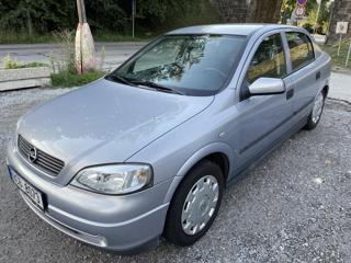 Opel Astra 1,6i,92 tis km hatchback
