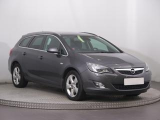 Opel Astra 2.0 CDTI 118kW kombi nafta