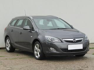 Opel Astra 2.0CDTi, 1.maj, Serv.kniha kombi nafta