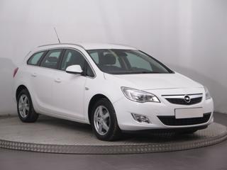 Opel Astra 2.0 CDTI 121kW kombi nafta