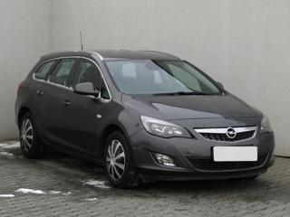 Opel Astra 2.0CDTi, ČR kombi nafta