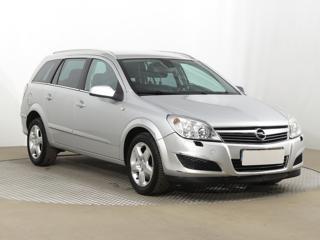 Opel Astra 1.7 CDTI 92kW kombi nafta