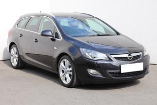 Opel Astra 1.6 T, 1.maj, Serv.kniha, ČR kombi benzin