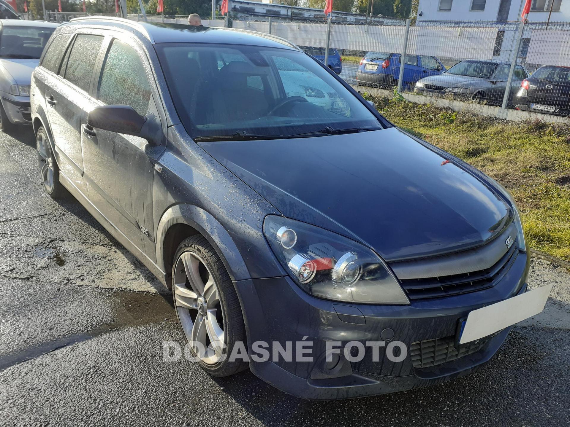 Opel Astra 1.6 T kombi benzin