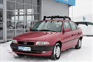 Opel Astra 1,6 i 1.Maj CZ STK 05/21 sedan benzin