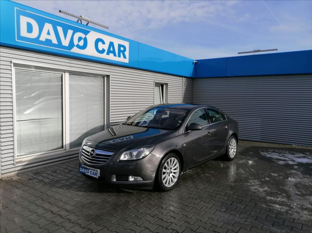 Opel Insignia 2,8 T V6 191kW 4x4 Cosmo 1.Maj sedan benzin
