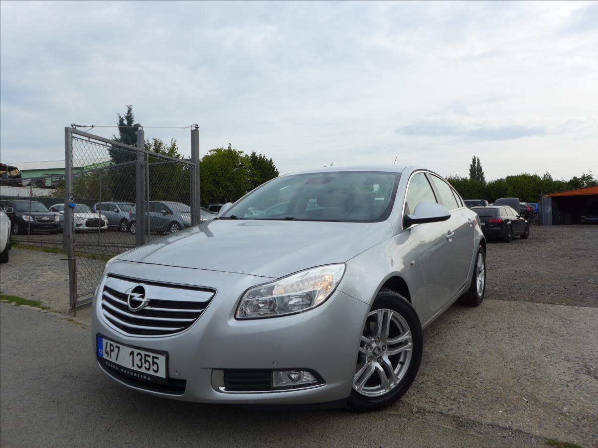 Opel Insignia 2,0 CDTi  GARANCE KM, TOP STAV sedan nafta