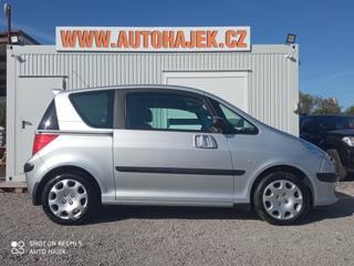 Peugeot 1007 1.4i 54kW Klimatizace hatchback benzin