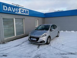 Peugeot 208 1,2 hatchback benzin