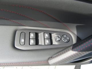 Peugeot 308 GT LINE 1.2 PureTech 130 EAT8 hatchback benzin