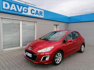 Peugeot 308 1,4 VTi 72 kW CZ Serv. kniha hatchback benzin