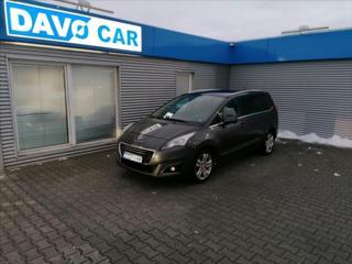 Peugeot 5008 1,6 HDI Navi 7-Míst Serv.kniha MPV nafta