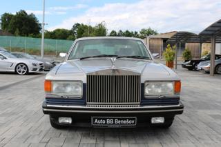 Rolls-Royce Silver Spirit 6.75L, V8 limuzína