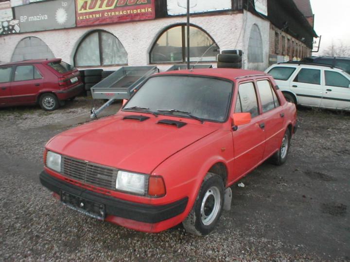 Škoda 120 L - Bez dokladů sedan