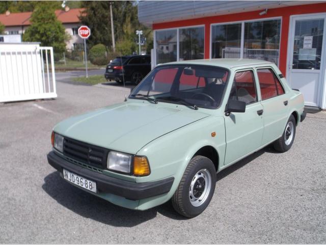 Škoda 120 L sedan benzin