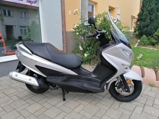 Suzuki skútr